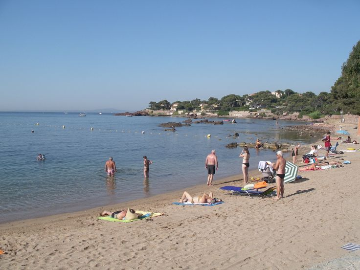 Plage la Péguière Toutes les plages sont publiques et gratuites. http://www.rosaland.com/1-decouverte-littoral