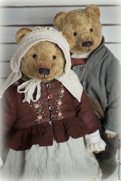 Купить или заказать Вечная любовь...Гордей и Матрёна в интернет-магазине на Ярмарке Мастеров. Пусть день будет добрым! Спасибо всем подписчикам, которые терпеливо ждут от меня новеньких мишек и кукол, я всем Вам очень благодарна! И также как и Вы хочу, чтобы новые мишки и куклы появлялись как можно чаще, но бывают исключительные случаи, когда просто не можешь поступить по-другому, и поэтому на свет появляются уже полюбившиеся образы... Вот так и сегодня мои любимые Гордей и Матрёна стоят…