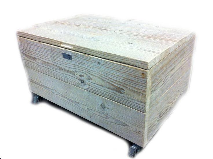 Kist van steigerhout op wielen, #whitewash #dekenkist van #steigerhout doe het zelf voorbeeld.