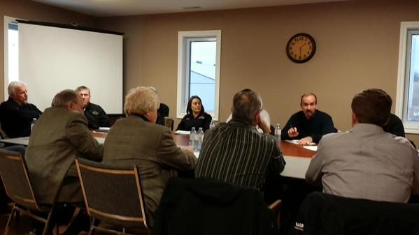 Roundtable discussion going on at Devolder Farms between local MPPs and stakeholders regarding neonicotinoids #ck #ckont #sx via @Jake_Kislinsky