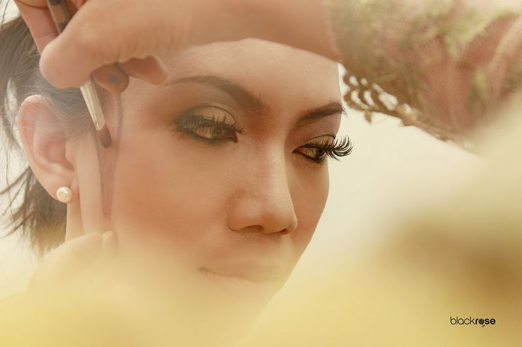 "Make up ""MIDODARENI"" #makeup #manten #wedding #woman #face #beautiful #burncolor #java #indonesian #cultural #ceremonial"