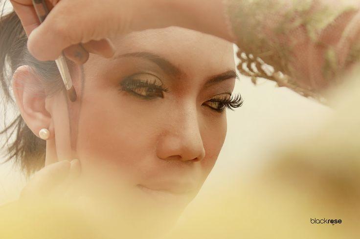 """Make up """"MIDODARENI"""" #makeup #manten #wedding #woman #face #beautiful #burncolor #java #indonesian #cultural #ceremonial"""
