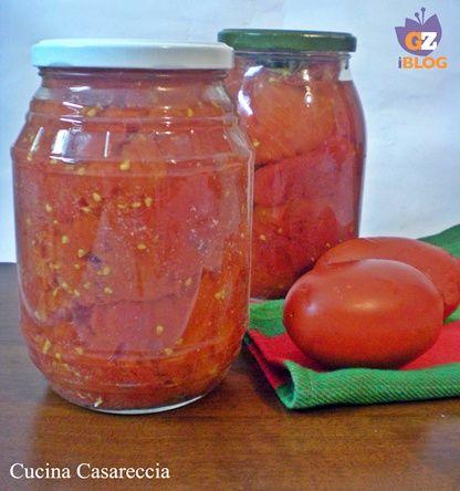 Pomodori pelati fatti in casa (canned tomatoes with translation)
