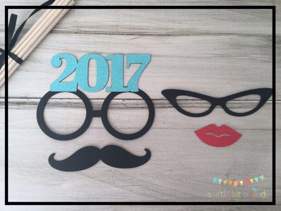 Año nuevo stand utilería decoraciones de la por ALittleBitOfAud