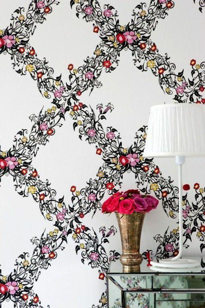 papier peint style anglais blanche avec décoration avec fleurs