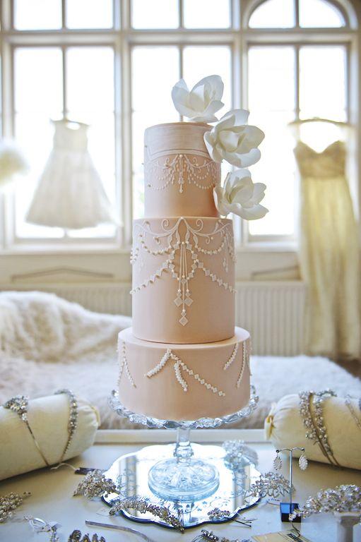 Best 25+ Art deco wedding cakes ideas on Pinterest Art ...