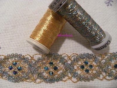 A Bobbin Lace Lover: Pulsera de bolillos con aplicaciones de cristal de svarowski