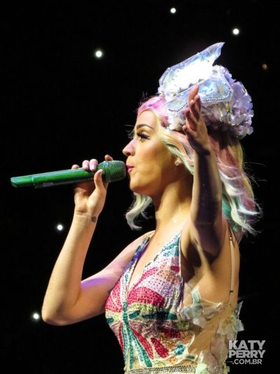Toyota Center in Houston, USA - 10.10 [HQ] - 15538544125 6c369b5d51 o - Katy Perry Brasil Photo Gallery