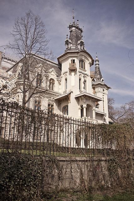 Cretulescu Palace, Bucharest www.romaniasfriends.com
