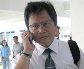 Alvin Lie: Orang Asing Masuk tanpa Imigrasi Keamanan Negara Terancam  Alvin Lie  JAKARTA (SALAM-ONLINE): Anggota Ombudsman RI Alvin Lie mengatakan insiden lolosnya warga negara asing (WNA) dari pemeriksaan imigrasi di Bandara Soekarno-Hatta dan Bandara Ngurah Rai sangat membahayakan keamanan Indonesia.  Alvin menegaskan dalam waktu dekat Ombudsman akan memanggil stakeholder seperti Kementerian Perhubungan Kementerian Pertahanan Angkasa Pura dan maskapai yang terlibat dalam insiden tersebut…