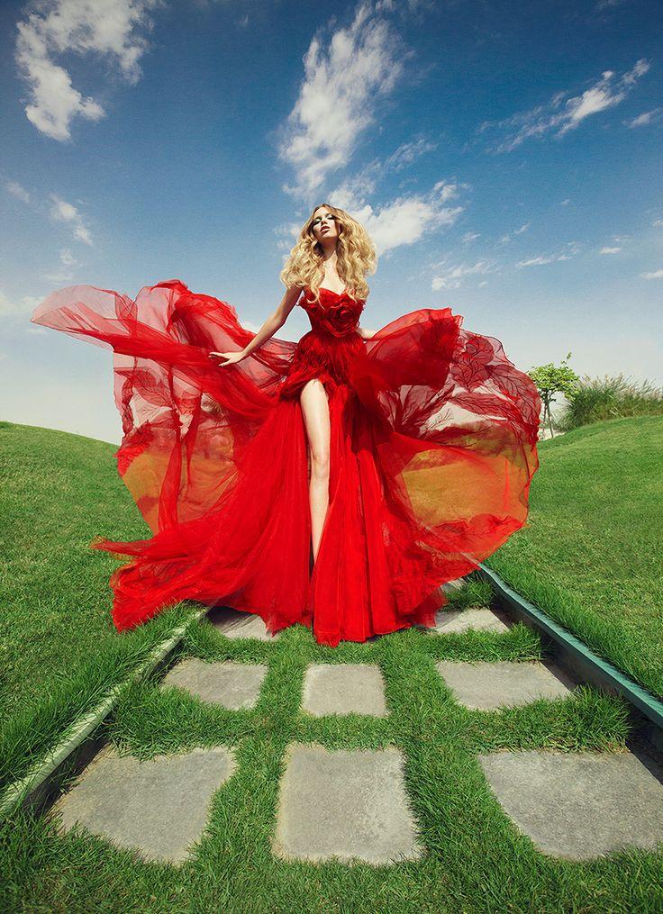 This red dress! | Luis Monteiro