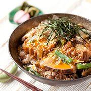 【油麩丼】お肉のようなボリューム感の丼ぶりは食欲をそそる。とろっと半熟卵の美味しい作り方はぜひ真似したい!