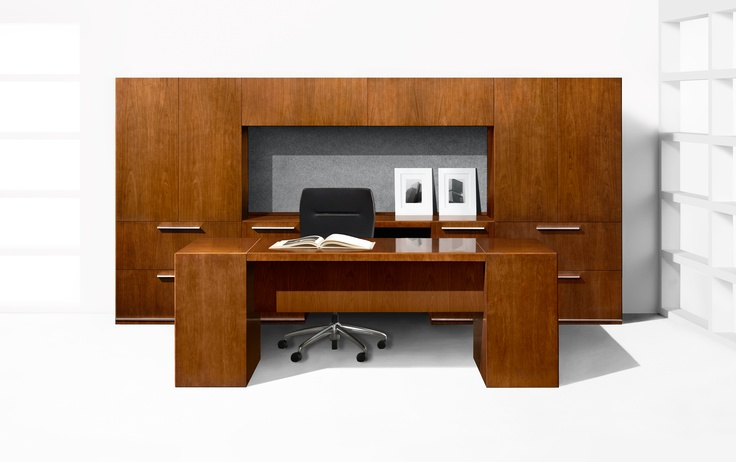 Halcon Mitre Series Desk With Mid Modesty Panel And