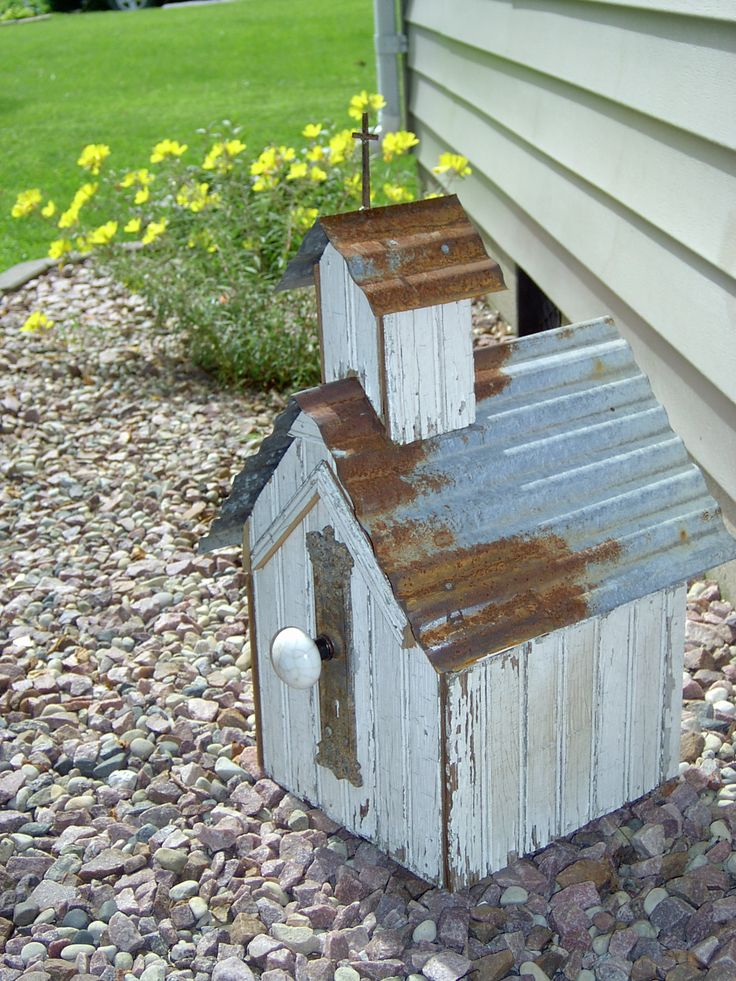 Primitive Birdhouse - Old Country Church