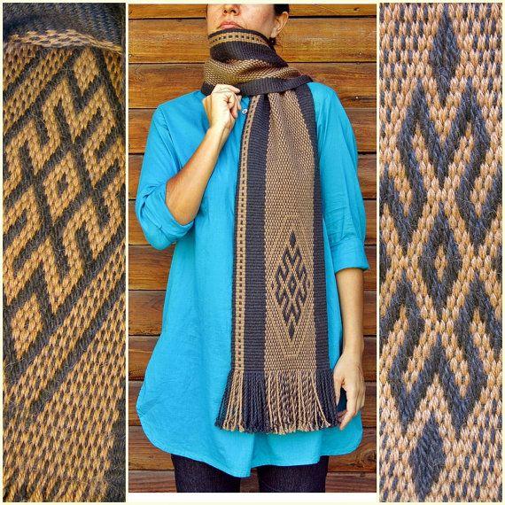 Bufanda de alpaca, echarpe, mantón unisex, moda de invierno, diseño mapuche, telar vertical, gris marrón étnicos, tejidas a mano, natural fibra oscura, rústica