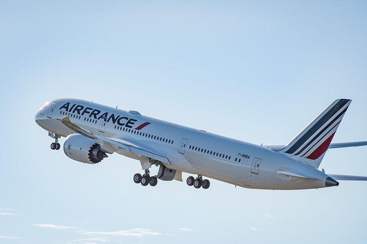 Air France welcomes 787 - AirFrance est fière d'accueillir dans sa flotte le B787-9, surnommé Dreamliner, le dernier-né des Boeing de nouvelle génération.