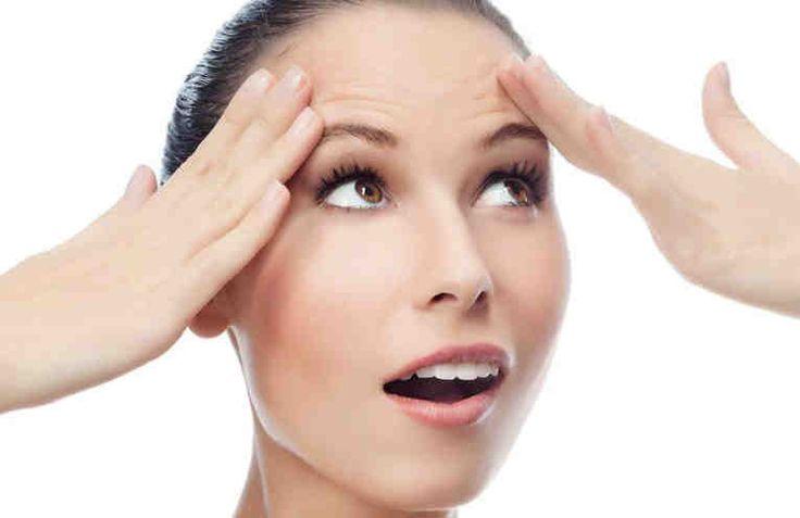 Это очень действенный способ быстро, хоть и не очень надолго, разгладить морщины на лбу и переносице.  Для более нежной кожи вокруг глаз это средство лучше не использовать, а для уменьшения морщин в области носогубных складок следует применять такую маску с осторожностью. Не подойдет этот рецепт,