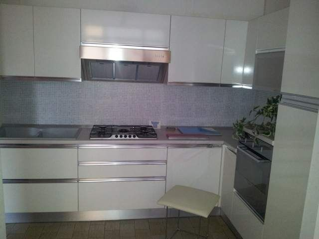 cucina bianca senza maniglie - Cerca con Google