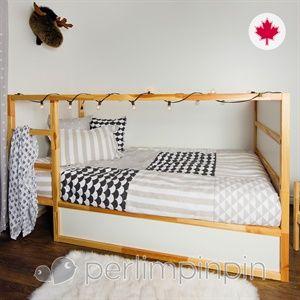Composez un décor de rêve à votre enfant grâce au choix incomparable de literie et de décoration offert chez CLÉMENT : douillettes, housses de couette, ensemble pour bébé, cadres, tapis, lampe, accessoires originaux, etc. Visitez une des 30 boutiques CLÉMENT à Québec, Montréal et partout au Québec. - Composez un décor de rêve à votre enfant grâce au choix incomparable de literie et de décoration offert chez CLÉMENT : douillettes, housses de couette, ensemble pour bébé, cadres, tapis, lampe…