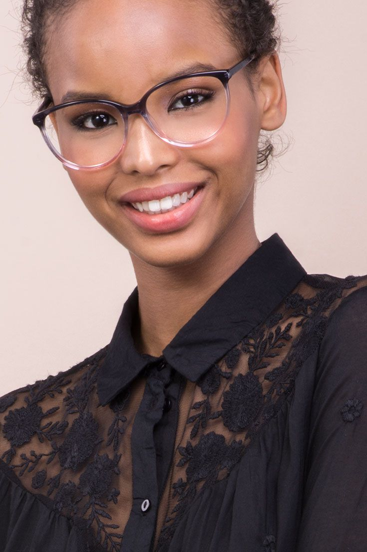 Imagine Pink Dust is a two-tone frame that gradually turns black into pink.