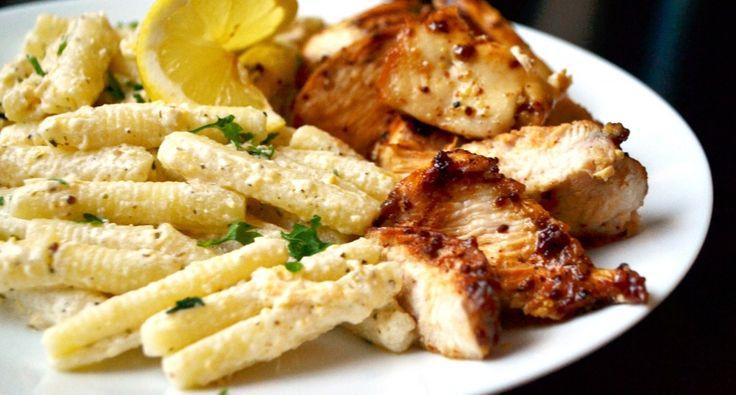 Csirkemell, bazsalikomos-citromos tésztával