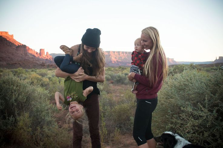 Kto povedal, že kempovanie uprostred divočiny je iba mužská záležitosť? Pozrite sa na tieto tri dobrodružné mamy, ktoré na výlety do prírody berú svoje malé deti. Brooke Froelich, Morgan Brechler a Shannon Robertson milujú lezenie, turistiku aj kempovanie.