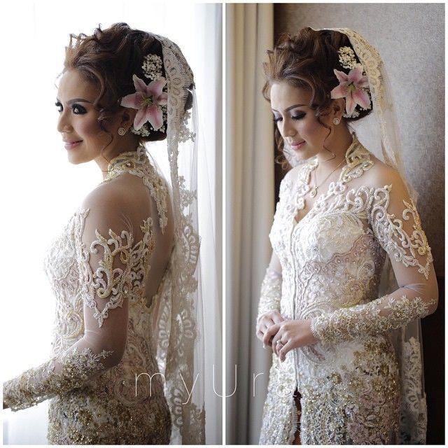 kebaya Design by  Myrna Myura http://www.bridestory.com/myrna-myura/projects/wedding-kebaya