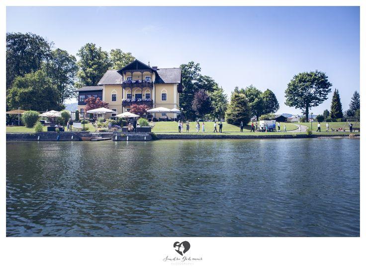 #outdoor #location #heiraten #wedding #weddingday #austria #upperaustria #bride #goom #spitzvilla #gmunden #traunkirchen #mountains #traunstein #traunsee #traunlake #boat #sky