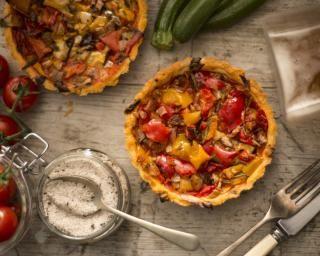 Tartelettes aux légumes du soleil : http://www.fourchette-et-bikini.fr/recettes/recettes-minceur/tartelettes-aux-legumes-du-soleil.html-0