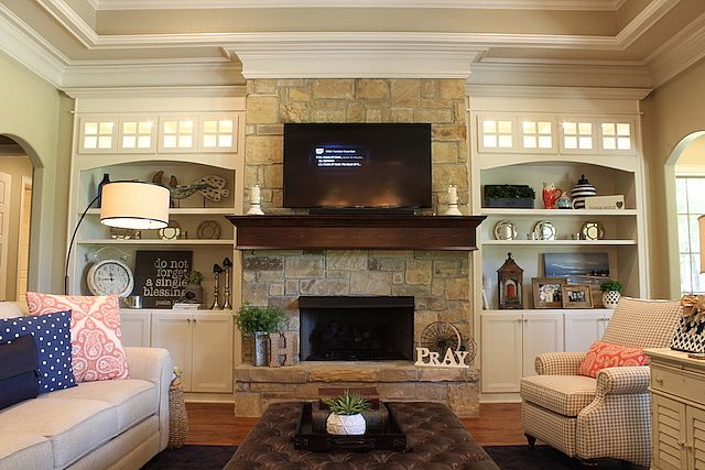 Lovely traditional living space ... from Trent Williams Construction, Tyler, Texas