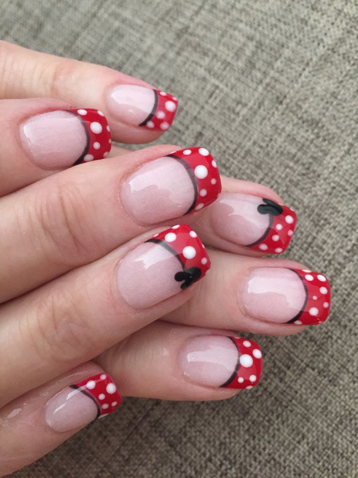 Disney nails, Minnie inspired Disney nails