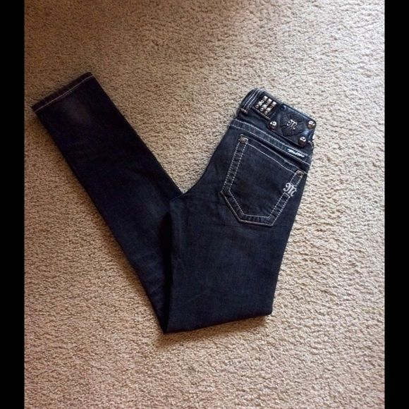Miss Me skinny JeansSale today only Miss Me Skinny Black Washed Studded Slightly Distressed Jeans ! Preowned! Size 26 Miss Me Jeans Skinny