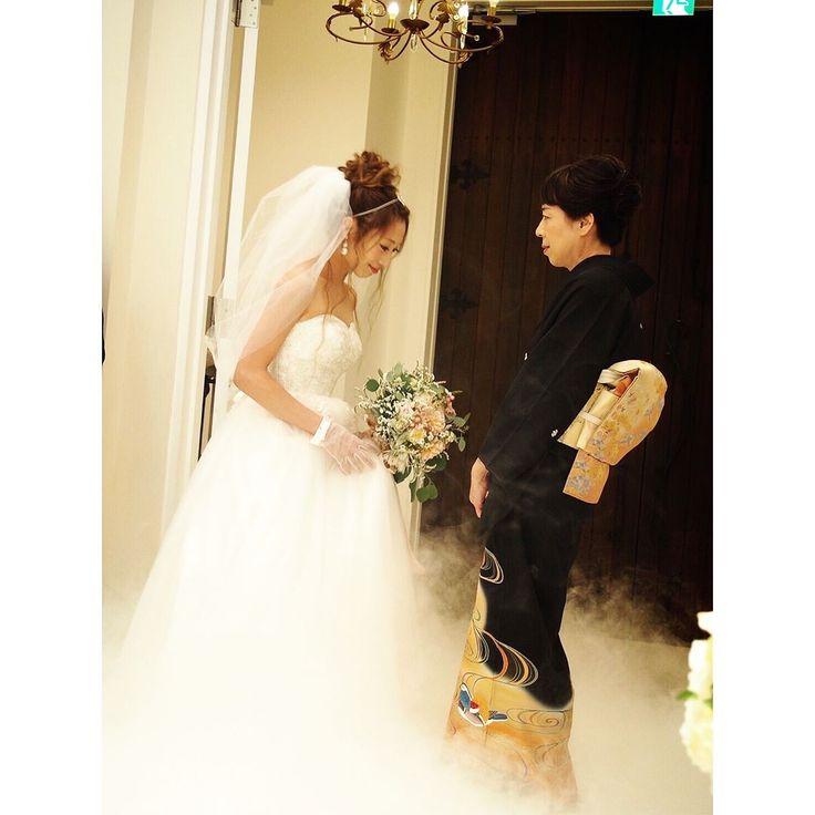 ベールダウン�� ベールは絶対 #ELENHENDERSON のバルーンベールって決めていました�� お母さん緊張してたっ��✨ #bridalmodel#ブライダル#bridal#結婚式#ウェディングドレス#ハワイウェディング#ハワイフォト#ハワイ#hawaii#海外ウェディング#全国のプレ花嫁さんと繋がりたい #hawaiiwedding#フォトウェディング#フォトツアー#ウェディングソムリエアンバサダー#第6期ウェディングソムリエジュニアアンバサダー#秋婚#卒花嫁#プレ花嫁#ブライダルモデル#ブライダルヘア#サロンモデル#bridalhair#前撮り#リゾートウェディング#followme#weddingdress#アルカンシエルベリテ大阪 http://gelinshop.com/ipost/1521076674346074713/?code=BUb8y0ih8JZ