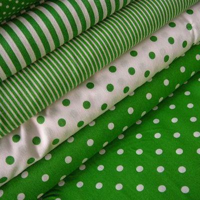 Bavlněná látka - metráž - bílý puntík na zelené - š. 150 cm – Potvor - pomáhat tvořit