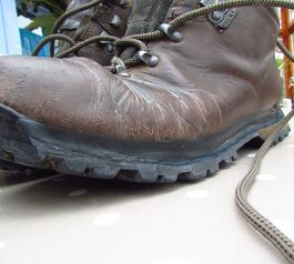 Reseal the edge on boots