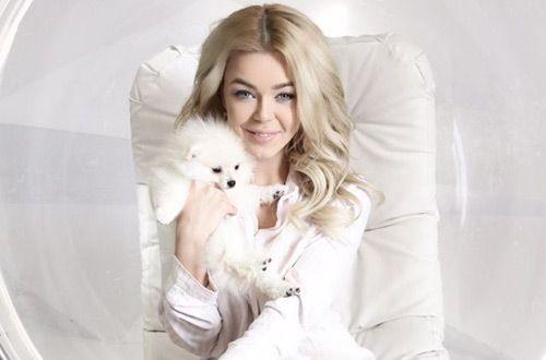 Алина Гросу представила авторскую песню «Рождественская» (аудио)