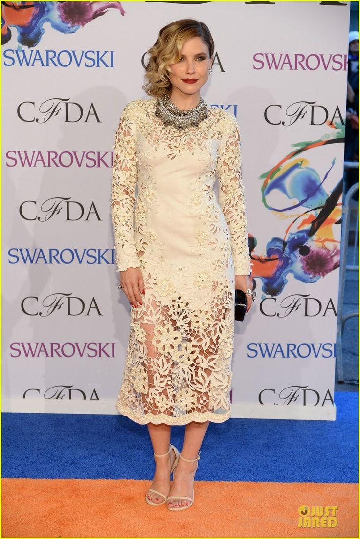 Sophia Bush in Marchesa at the CFDA awards https://ashtynsfashions.wordpress.com/2014/06/03/2014-cfda-fashion-awards-red-carpet/