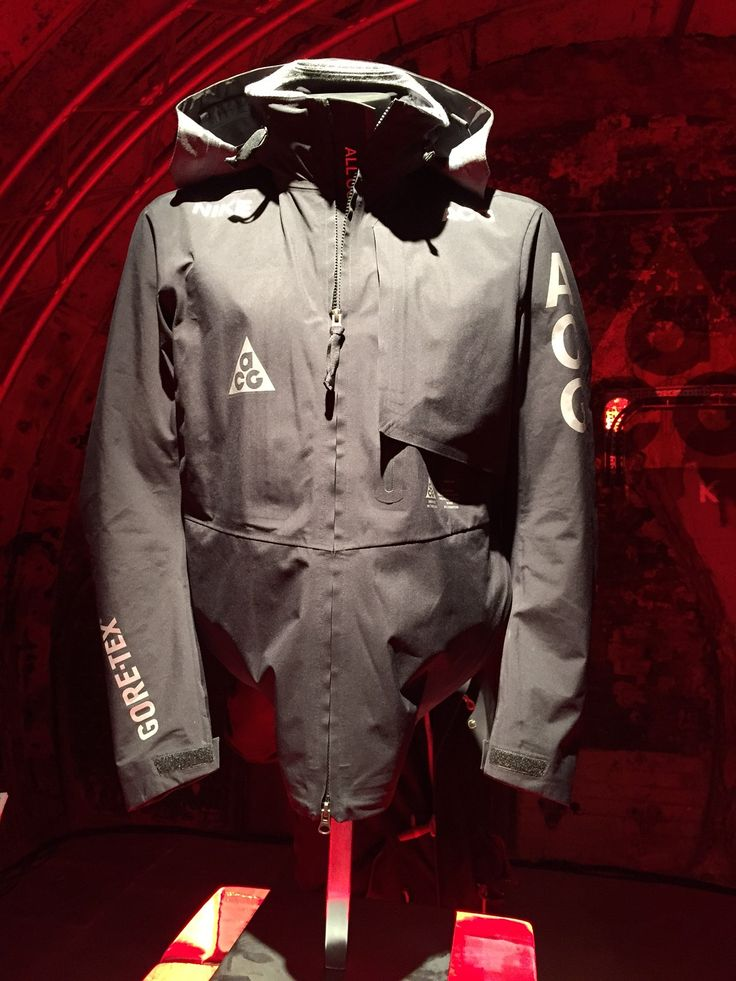 NIKE ACG relaunch london BLACKRAINBOW-14