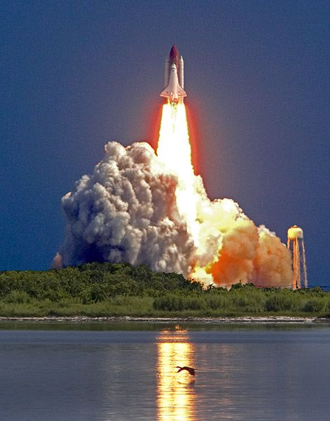 Discovery Space Launch at Cape Canaveral, Florida - Aaron FEINBERG - COPYRIGHT