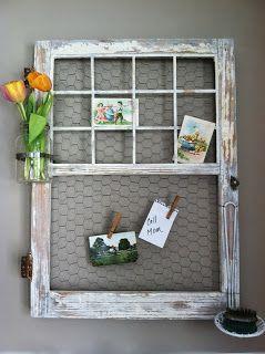 finestra come porta post it http://www.arredamentoprovenzale.net/10-idee-per-riciclare-vecchie-finestre-stile-shabby-chic/