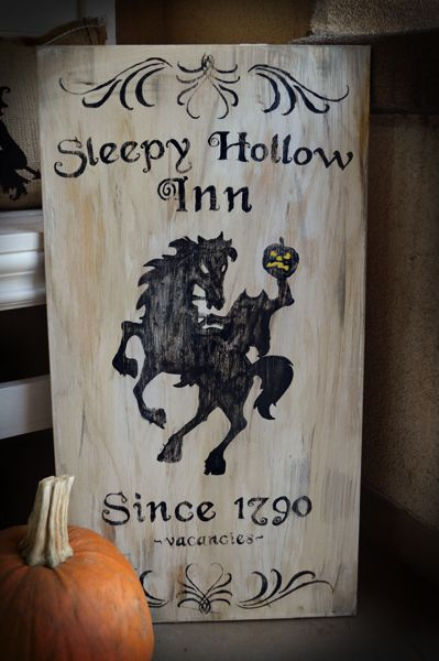 Darling and spooky Sleepy Hollow Inn sign!!! Bebe'!!! From Before After blog at www.beforeafter.net !!! Love this...great for Halloween!!!