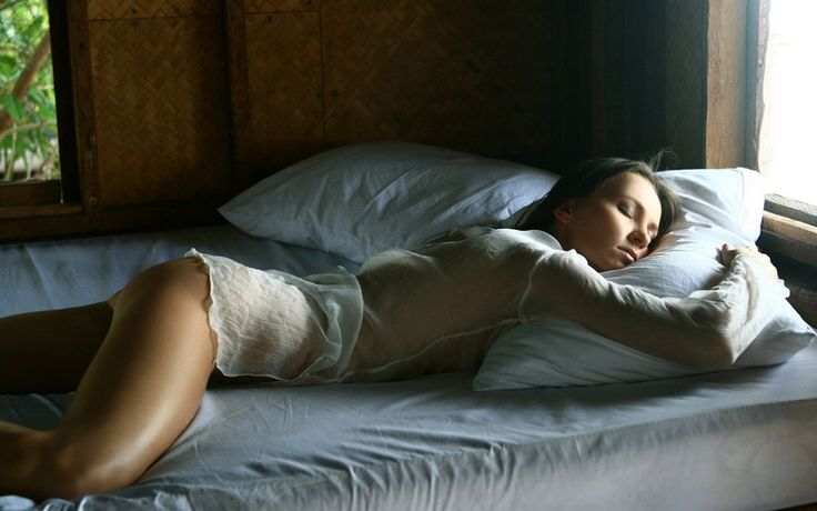 Процессы, которые происходят с человеком во время сна http://chert-poberi.ru/interestnoe/processy-kotorye-proisxodyat-s-chelovekom-vo-vremya-sna.html