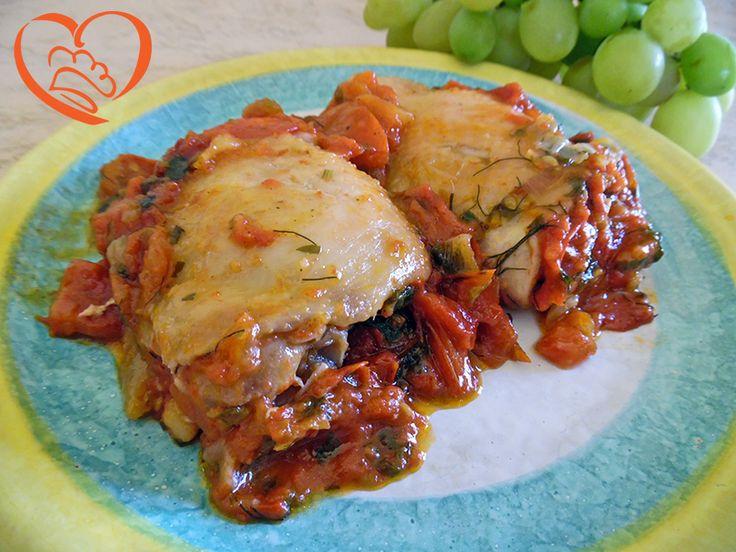 Sovracosce di pollo in rosso http://www.cuocaperpassione.it/ricetta/ed221f4c-9f72-6375-b10c-ff0000780917/Sovracosce_di_pollo_in_rosso