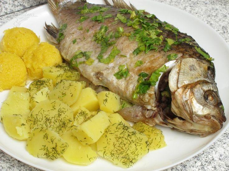 Caras la cuptor cu sos de lămâie şi pătrunjel