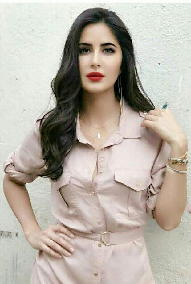 Hot actress under 25