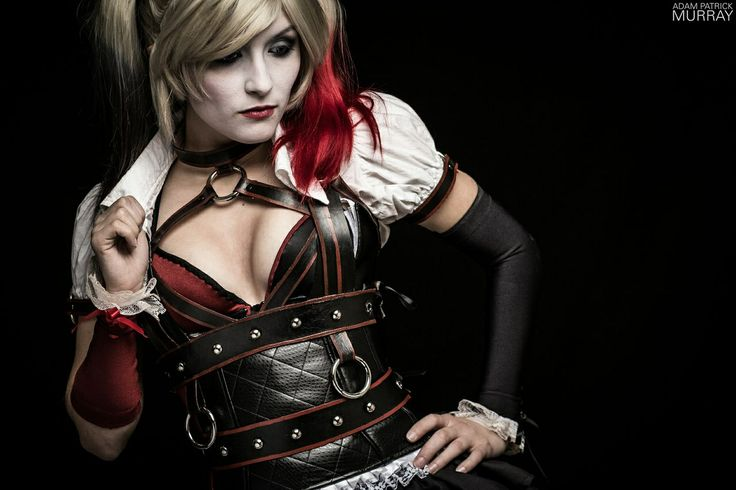Arkham Knight Harley Quinn  Photo by: Adam Patrick Murray Costume by: Maise Designs Cosplayer: Itty Bitty Geek  #ArkhamKnight #HarleyQuinn