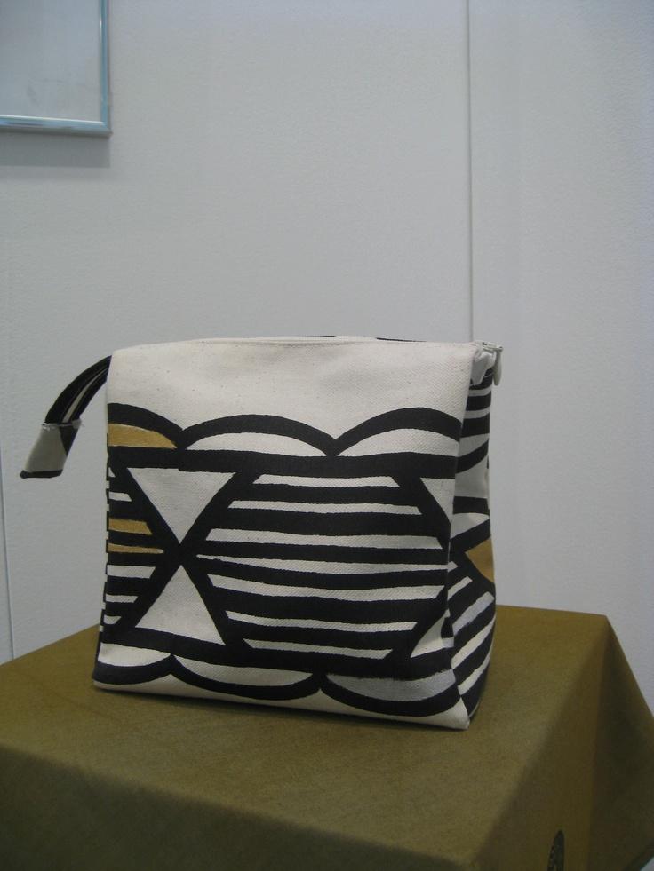 """Necessär sydd i mitt mönster """"Telefonklotter"""".  Vanity-bag made with my pattern """"Telefonklotter"""""""