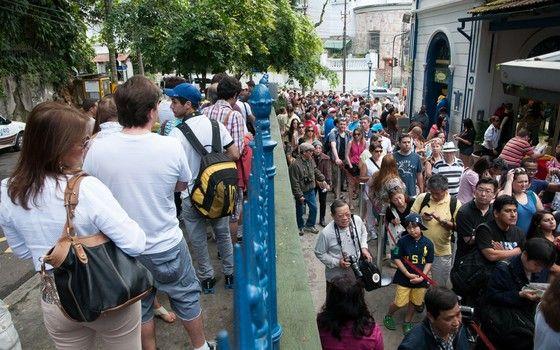 Fila para o trem do Corcovado na Copa  (Foto:  Erbs Jr./FramePhoto/Folhapress)