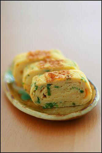Japanese food: rolled egg -tamago yaki-