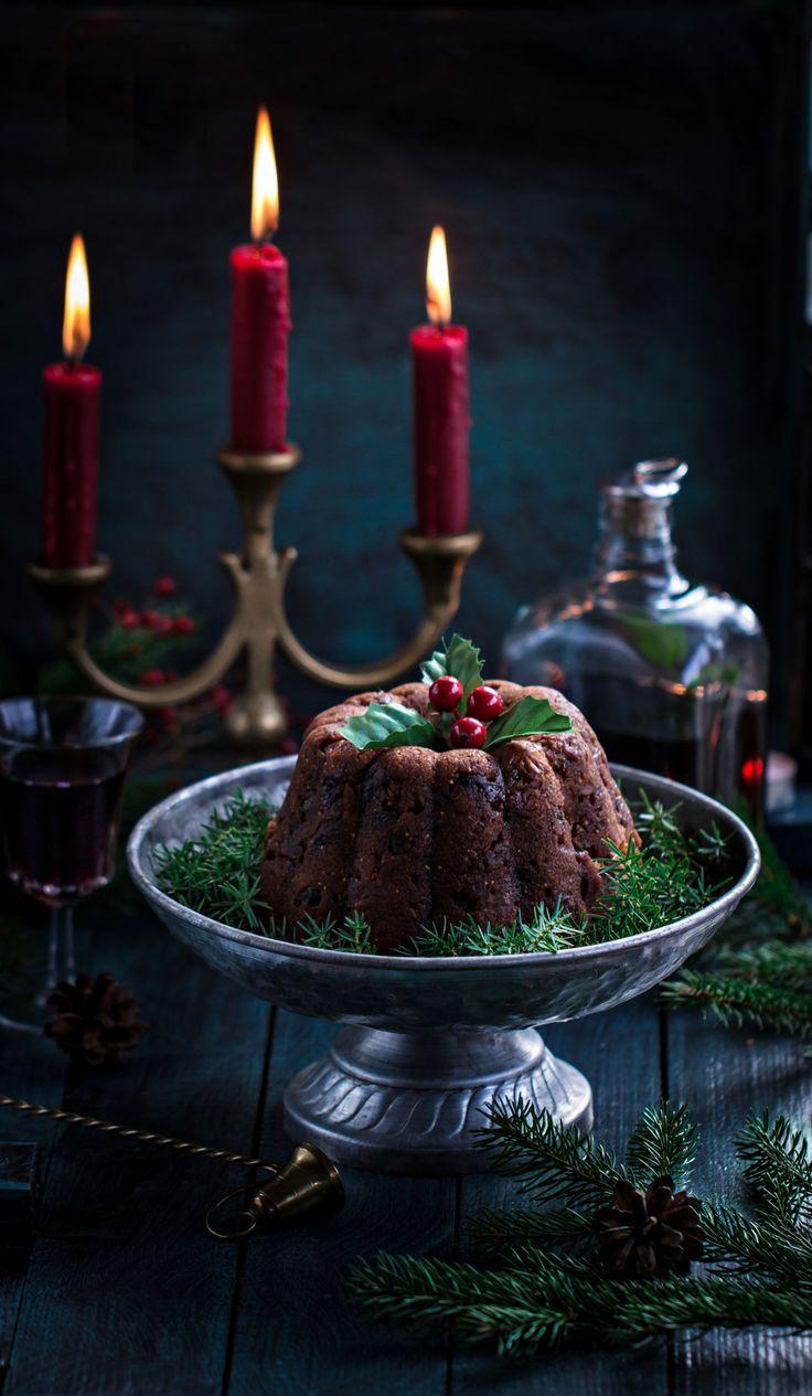 Английский Рождественский пудинг по рецепту мамы Джейми Оливера Рецепт нашла в интернете. Пишут, что он от мамы Джейми Оливера, поверим на слово )) Я пекла(варила) в специальной форме для пудинга,…